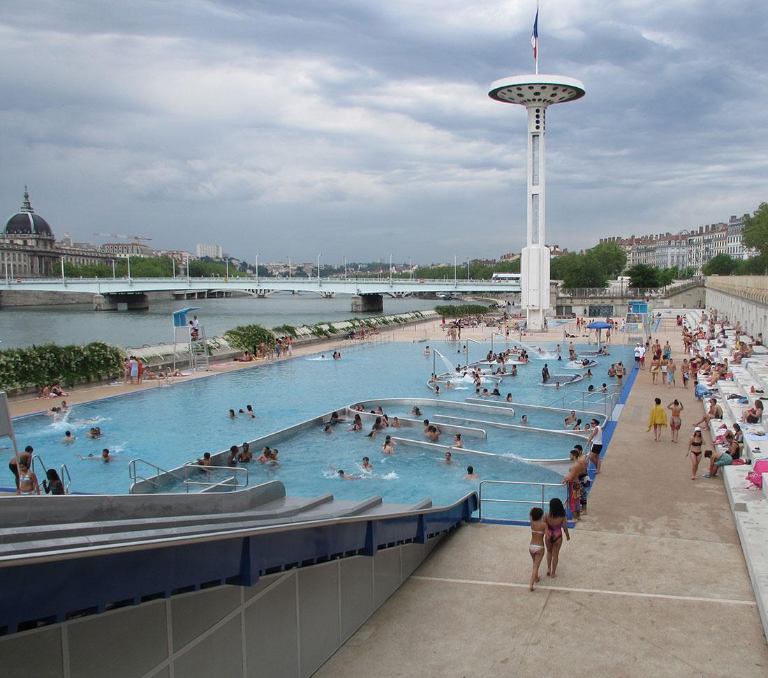 Lyon du rh ne frankreich zeller b derbau for Chauffage piscine du rhone