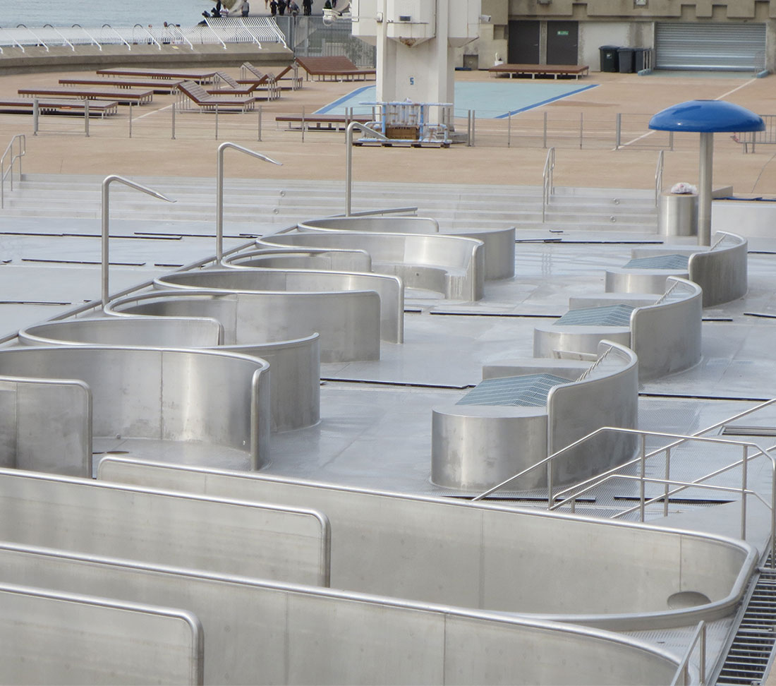 Lyon rh ne france zeller pool construction for Construction piscine rhone